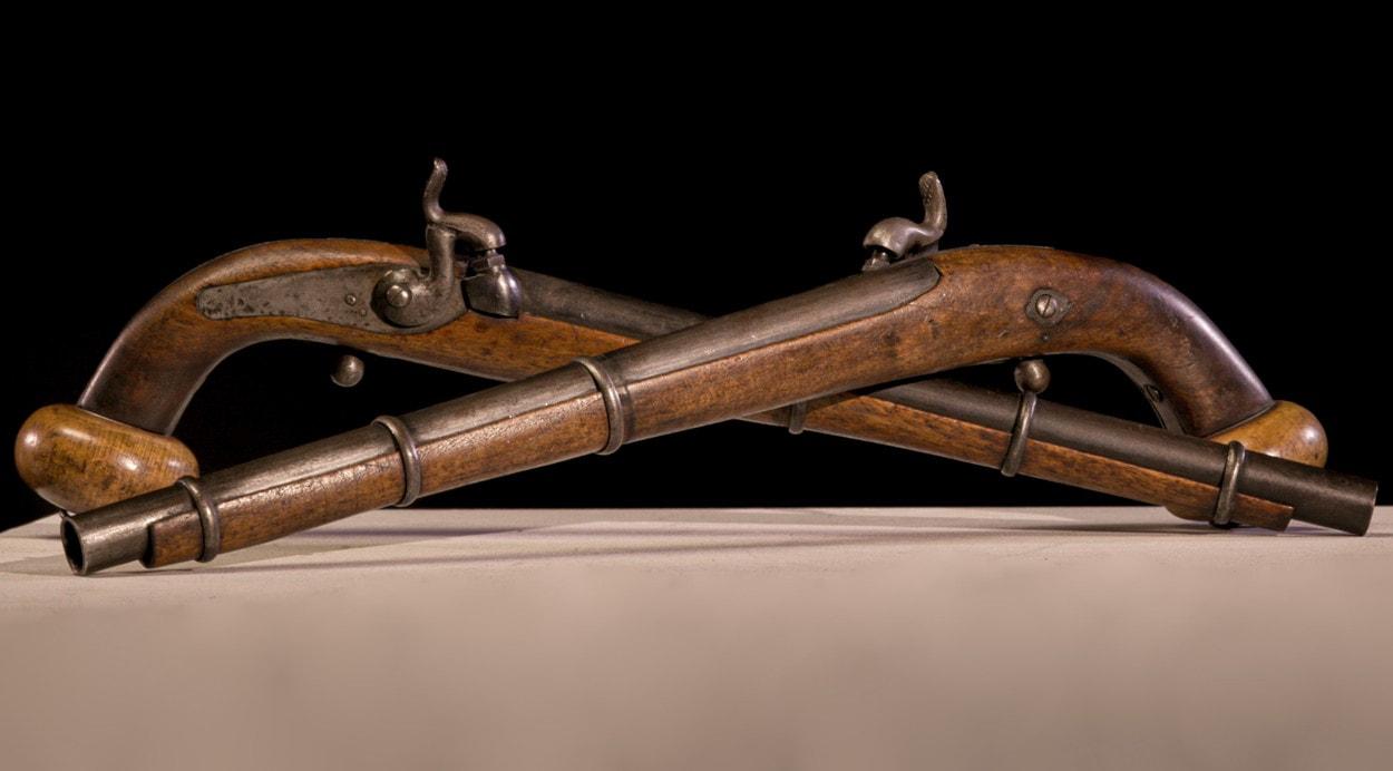 Антикварная лавка: пистолеты Таннера