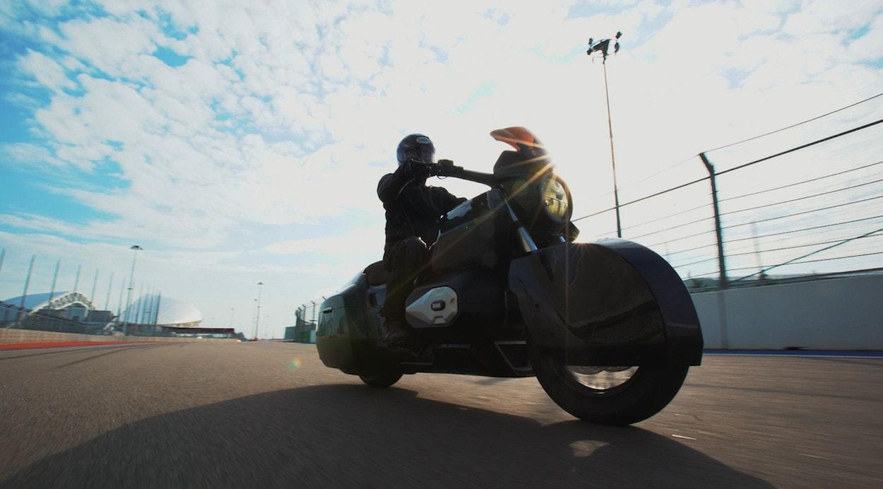 Концепт тяжелого мотоцикла «Иж» протестировали на трассе «Формулы-1»