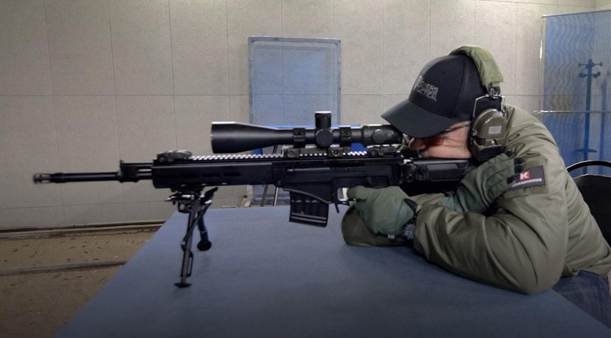 Ларри Викерс тестирует Снайперскую винтовку Чукавина