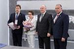 Рособоронэкспорт передал музею «Ижмаш» подписанный Михаилом Калашниковым контракт с Кубой