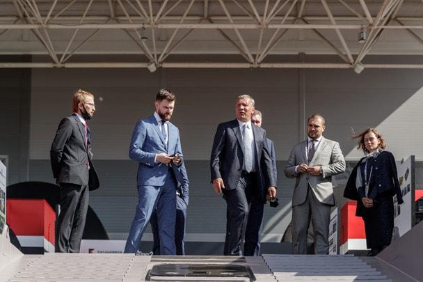 Вице-премьер РФ Юрий Борисов посетил демонстрационный центр «Калашников»