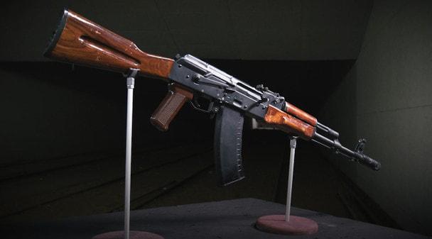 100 лет «Красной Армии»: Автомат Калашникова АК74