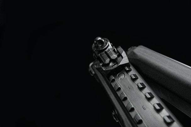 Эффект подавления параллакса при использовании апертурного прицела на целевой винтовке