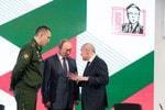 Владимир Путин посетил церемонию открытия Академии «Калашников»