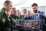 Министр обороны РФ Сергей Шойгу посетил демоцентр «Калашников»